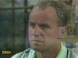 Jim Robinson in Neighbours Episode 0908