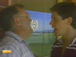 Harold Bishop, Joe Mangel in Neighbours Episode 0909