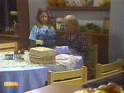 Katie Landers, Helen Daniels in Neighbours Episode 0910