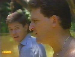 Joe Mangel, Des Clarke in Neighbours Episode 0910