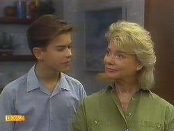 Todd Landers, Helen Daniels in Neighbours Episode 0910