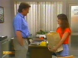 Glen Matheson, Kerry Bishop in Neighbours Episode 0911