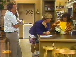 Harold Bishop, Scott Robinson, Kerry Bishop in Neighbours Episode 0912