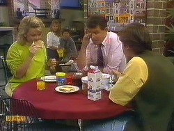 Jenny Owens, Bronwyn Davies, Joe Mangel, Des Clarke, Mike Young in Neighbours Episode 0912