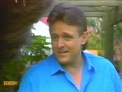 Glen Matheson in Neighbours Episode 0912