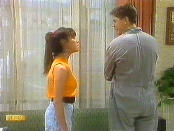 Kerry Bishop, Joe Mangel in Neighbours Episode 0912