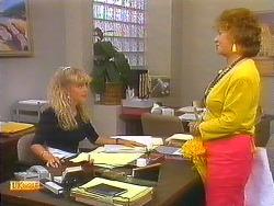Jane Harris, Gloria Slater in Neighbours Episode 0913