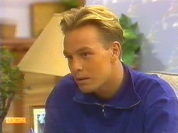 Scott Robinson in Neighbours Episode 0913