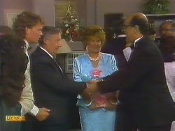 Henry Ramsay, Rob Lewis, Gloria Lewis, Theo Skouros in Neighbours Episode 0914