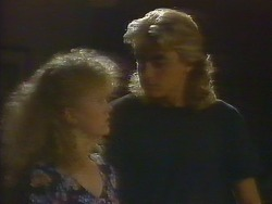 Sharon Davies, Nick Page in Neighbours Episode 0914