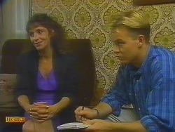 Madeline Price, Scott Robinson in Neighbours Episode 0915