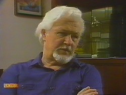Roger Delo in Neighbours Episode 0915