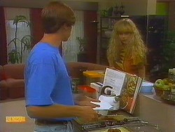 Mike Young, Jane Harris in Neighbours Episode 0915