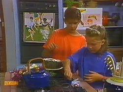 Todd Landers, Katie Landers in Neighbours Episode 0915