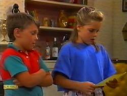 Toby Mangel, Katie Landers in Neighbours Episode 0917