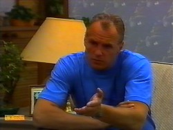 Jim Robinson in Neighbours Episode 0919