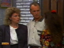 Beverly Robinson, Jim Robinson, Madeline Price in Neighbours Episode 0920