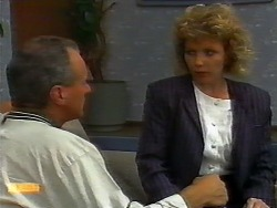Jim Robinson, Beverly Robinson in Neighbours Episode 0920