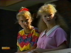 Bronwyn Davies, Sharon Davies in Neighbours Episode 0920