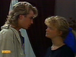 Nick Page, Sharon Davies in Neighbours Episode 0920