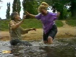 Nick Page, Sharon Davies in Neighbours Episode 0921
