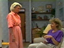Helen Daniels, Beverly Robinson in Neighbours Episode 0922
