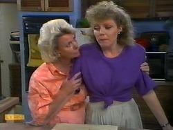 Helen Daniels, Beverly Marshall in Neighbours Episode 0922