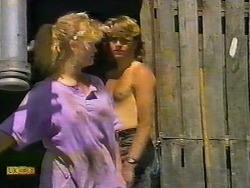 Sharon Davies, Nick Page in Neighbours Episode 0922