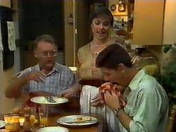 Harold Bishop, Kerry Bishop, Joe Mangel in Neighbours Episode 0923