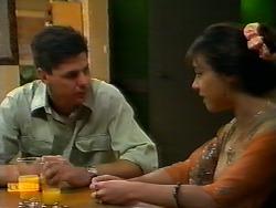 Joe Mangel, Kerry Bishop in Neighbours Episode 0923