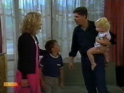 Noelene Mangel, Toby Mangel, Joe Mangel, Sky Bishop in Neighbours Episode 0924