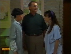 Hilary Robinson, Harold Bishop, Kerry Bishop in Neighbours Episode 0924