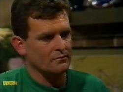 Des Clarke in Neighbours Episode 0924