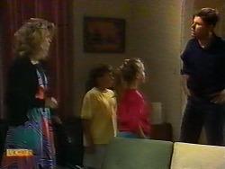 Noelene Mangel, Toby Mangel, Katie Landers, Joe Mangel in Neighbours Episode 0926
