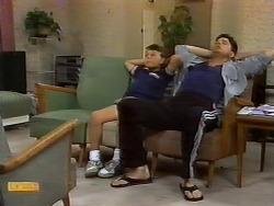 Toby Mangel, Joe Mangel in Neighbours Episode 0926