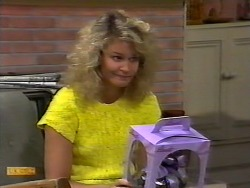 Noelene Mangel in Neighbours Episode 0926