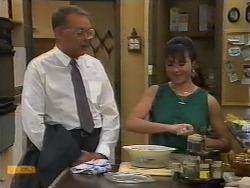 Harold Bishop, Kerry Bishop in Neighbours Episode 0927