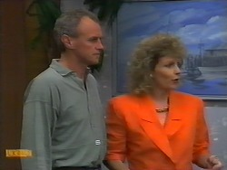 Jim Robinson, Beverly Robinson in Neighbours Episode 0927