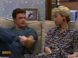 Paul Robinson, Helen Daniels in Neighbours Episode 0927