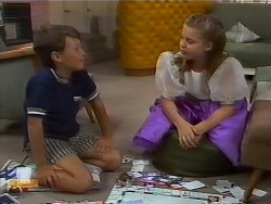 Toby Mangel, Katie Landers in Neighbours Episode 0927
