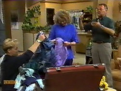 Scott Robinson, Madge Bishop, Harold Bishop in Neighbours Episode 0928