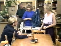 Scott Robinson, Harold Bishop, Madge Bishop, Jane Harris in Neighbours Episode 0928