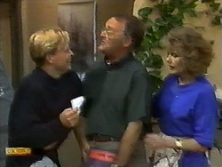 Scott Robinson, Harold Bishop, Madge Bishop in Neighbours Episode 0928