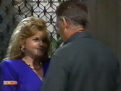Betty Bristow, Harold Bishop in Neighbours Episode 0928