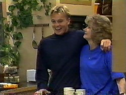 Scott Robinson, Madge Bishop in Neighbours Episode 0928