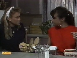 Bronwyn Davies, Kerry Bishop in Neighbours Episode 0929