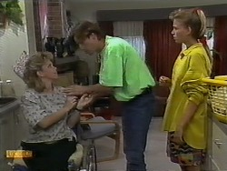 Jenny Owens, Mike Young, Bronwyn Davies in Neighbours Episode 0930
