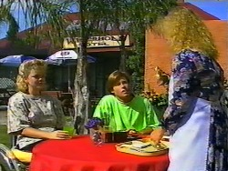 Jenny Owens, Mike Young, Sharon Davies in Neighbours Episode 0931
