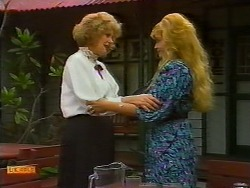 Madge Bishop, Betty Bristow in Neighbours Episode 0933