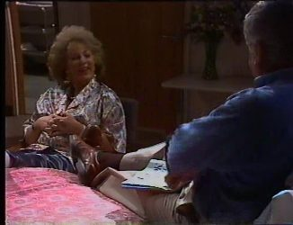 Cheryl Stark, Lou Carpenter in Neighbours Episode 2197